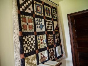 Antique quilt Woodlawn Farm Jacksonville IL