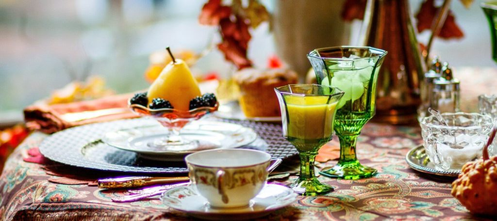 Fall tablescape with green beverage glasses